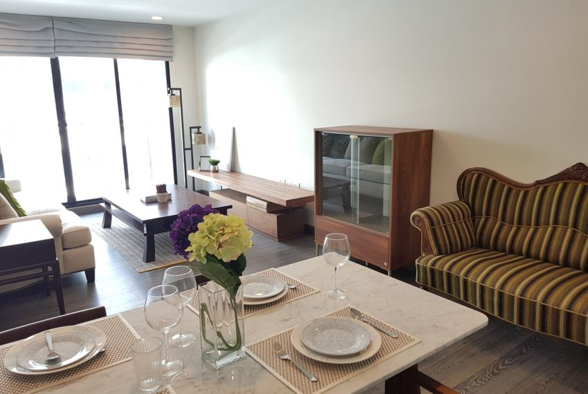 Rende Sukhumvit 23 2bedroom sale - dinning and living