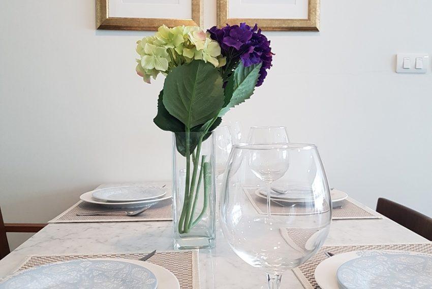 Rende Sukhumvit 23 2bedroom sale - dinning table