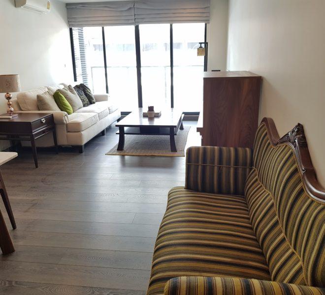 Rende Sukhumvit 23 2bedroom sale - living room