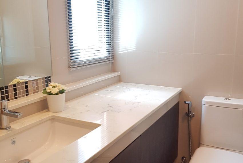 Rende Sukhumvit 23 2bedroom sale - toilet