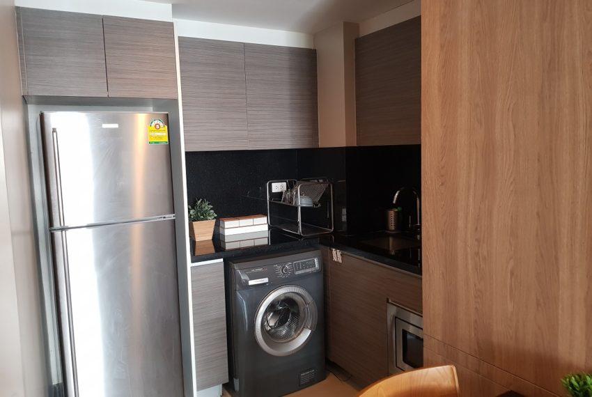 Rende Sukhumvit 23 in Asoke - 1bedroom for sale - fridge and washing machine