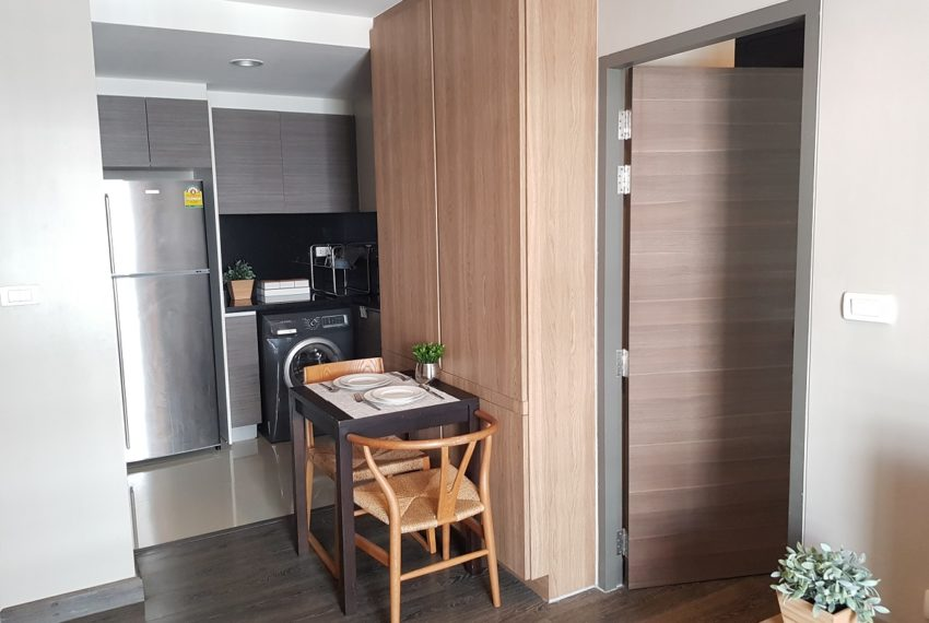 Rende Sukhumvit 23 in Asoke - 1bedroom for sale - fully equipped kitchen