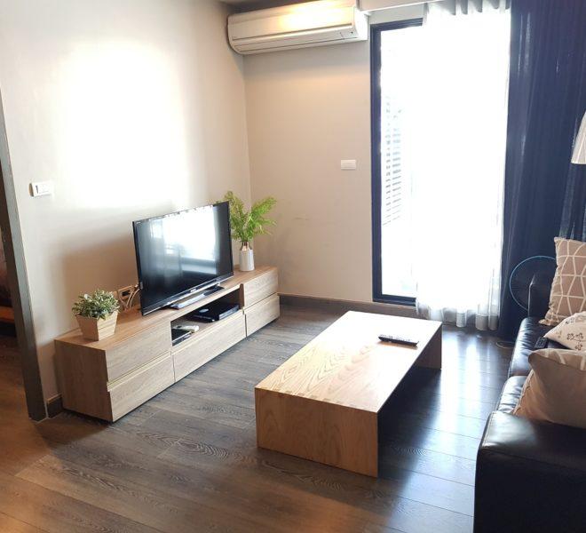 Rende Sukhumvit 23 in Asoke - 1bedroom for sale - living room
