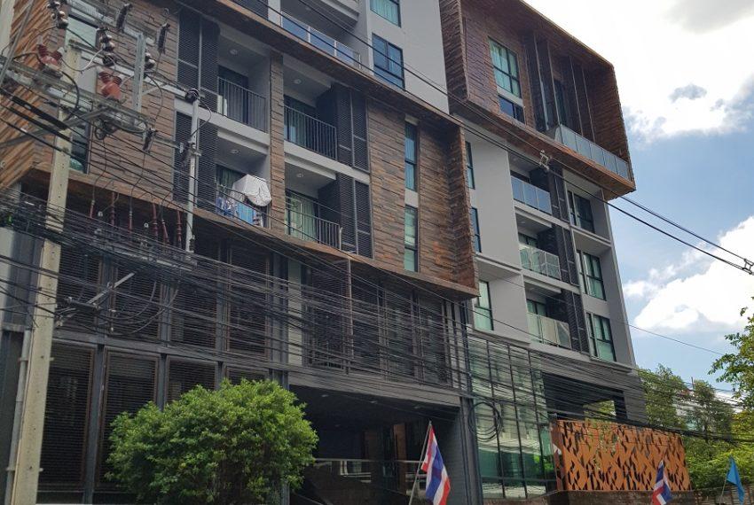 Rende Sukhumvit 23 serenity condo in Asoke - building 2