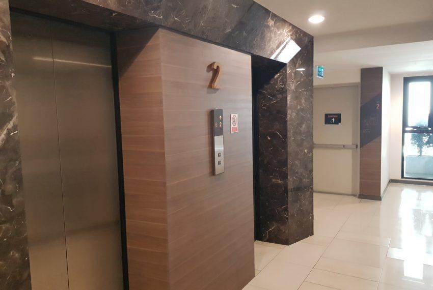 Rende Sukhumvit 23 serenity condo in Asoke - elevator