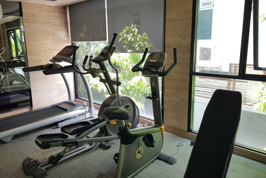 Rende Sukhumvit 23 serenity condo in Asoke - gym