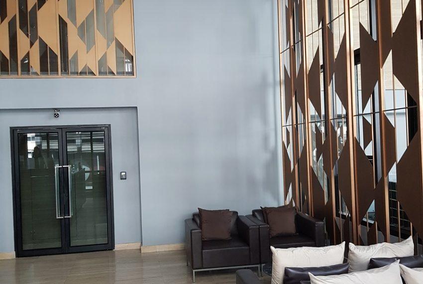 Rende Sukhumvit 23 serenity condo in Asoke - lobby