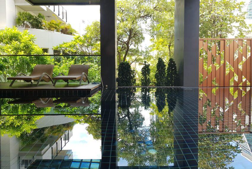 Rende Sukhumvit 23 serenity condo in Asoke - relax area
