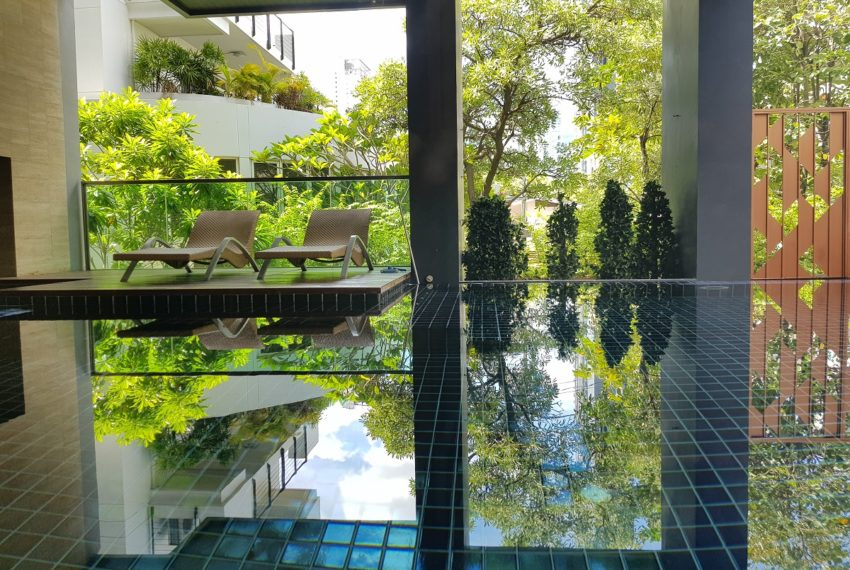 Rende Sukhumvit 23 serenity condo in Asoke - swimming pool