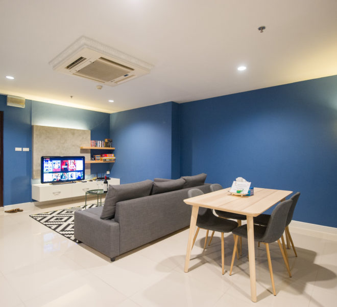 Rent Condo Near University in Sukhumvit Living Town in Asoke