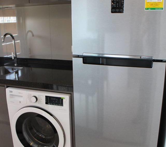 Rhuthm Asoke - 1-bedroom-Rent-high-floor-refredgirator