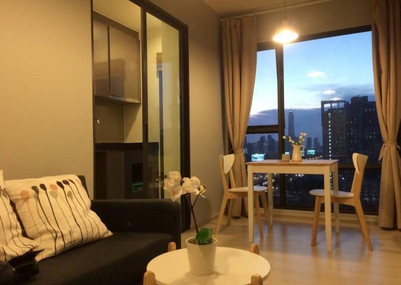 Rhythm Asoke 1-1 bed-1 bath-Livingroom