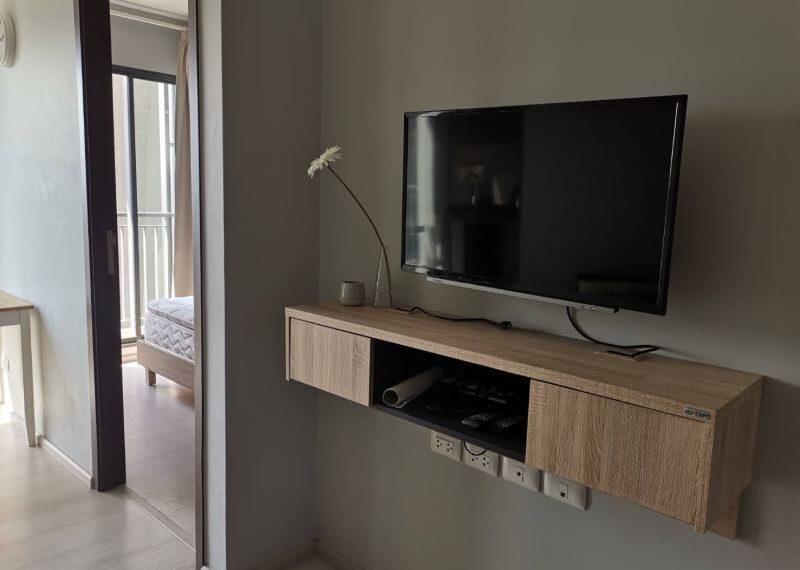 Rhythm Asoke 1-1 bed-1 bath-Livingroom.2
