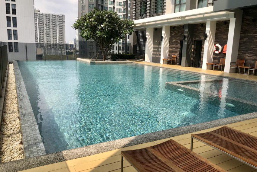 Rhythm Asoke 2- 1 bed 1 bath -swimming pool