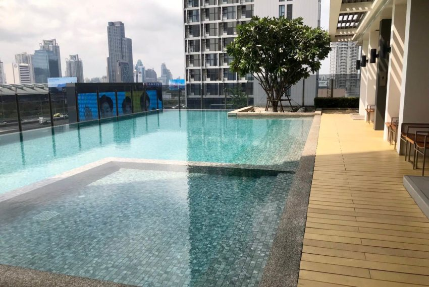 Rhythm Asoke2_Swimming pool
