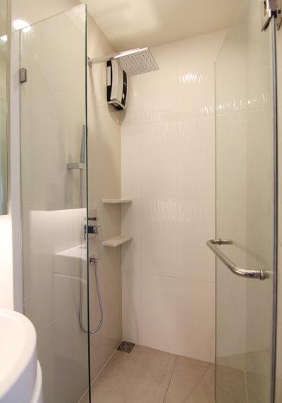 RhythmAsoke1_1b1b_bathroom1.3