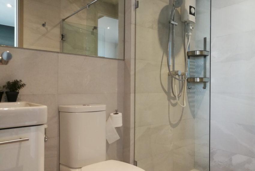 RhythmEkamai_1b1b_22FL_Bathroom1.1
