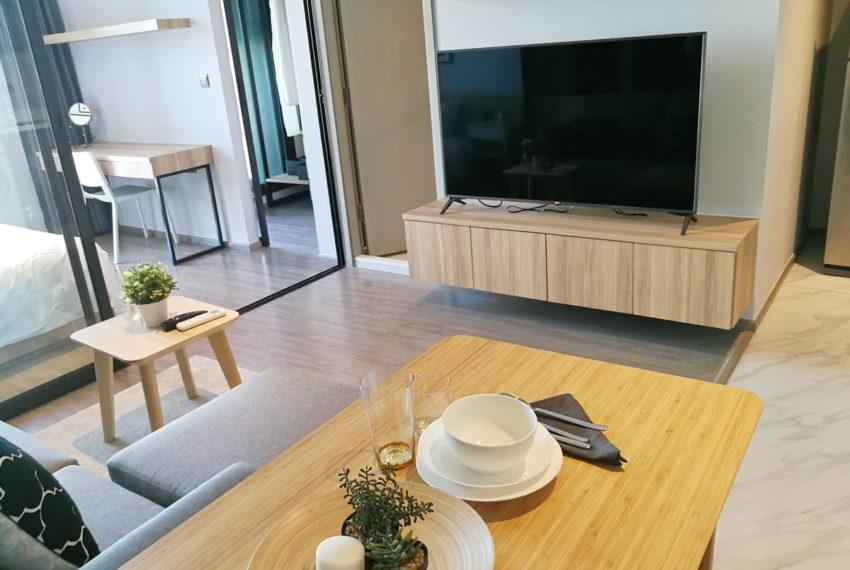 RhythmEkamai_1b1b_22FL_Livingroom1.3