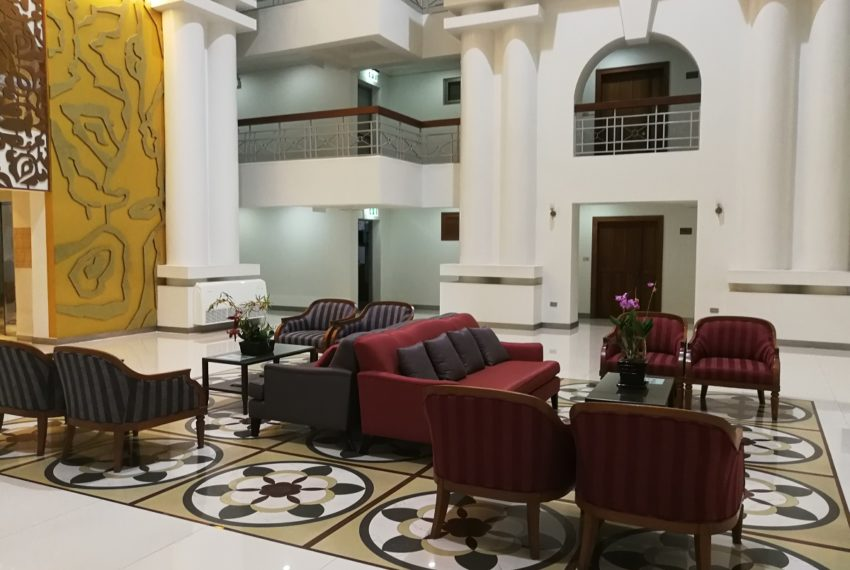 Royal Castle Sukhumvit 39 lobby