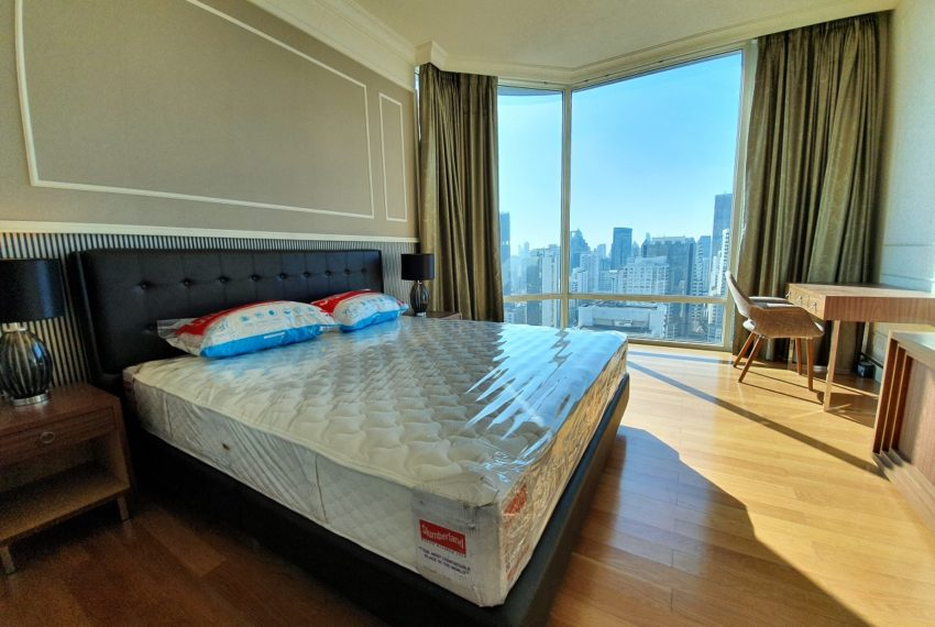 Royce Private Residences 3 Bedroom - Rent - bed 1