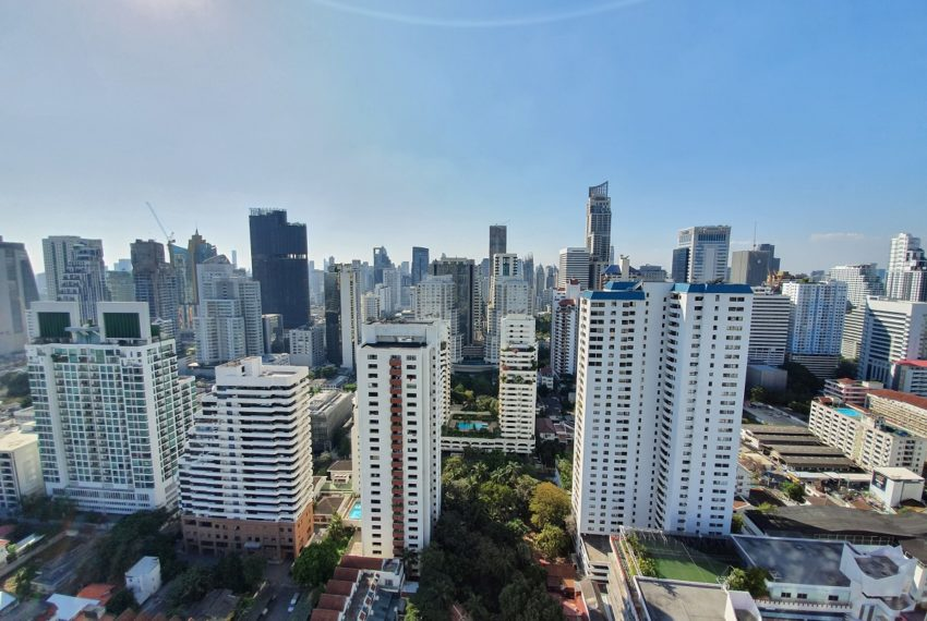 Royce Private Residences 3 Bedroom - Rent - city view