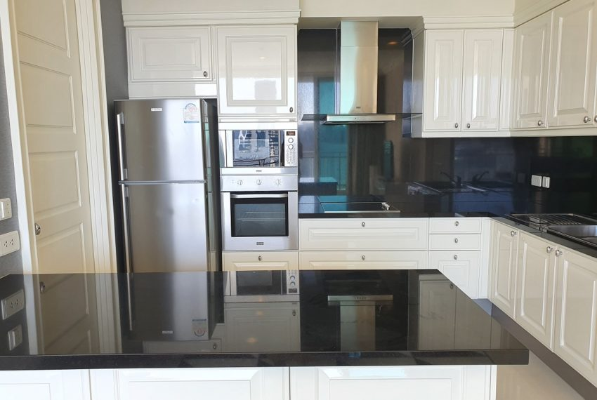 Royce Private Residences 3 Bedroom - Rent - kitchen