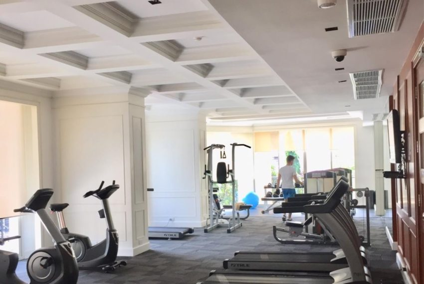 Royce Private Residences Condominium in Asoke - gym