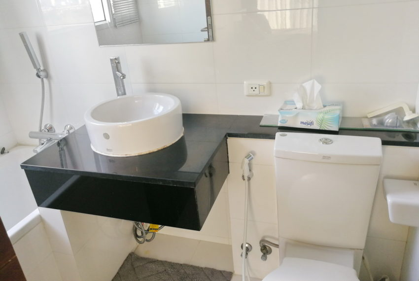 SKVCityresort_2b2b_11FL_Masterbathroom1.2