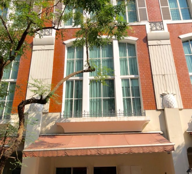 Large townhouse for rent in Thonglor - 4 bedroom - Baan Klang Krung