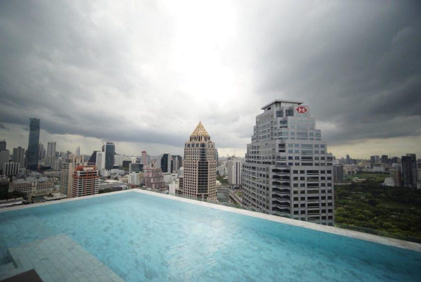Saladaeng One Condominium - swimming pool