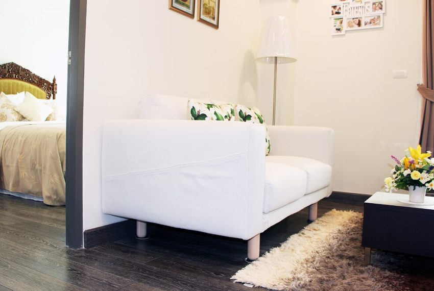 Sale 1b1b_Rende SKV.23_sofa in living room