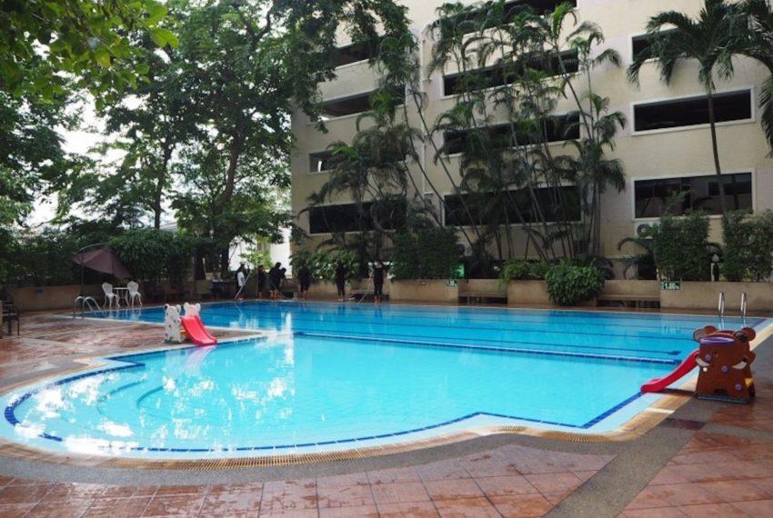Saranjai Mansion Condominium near Nana BTS - pool