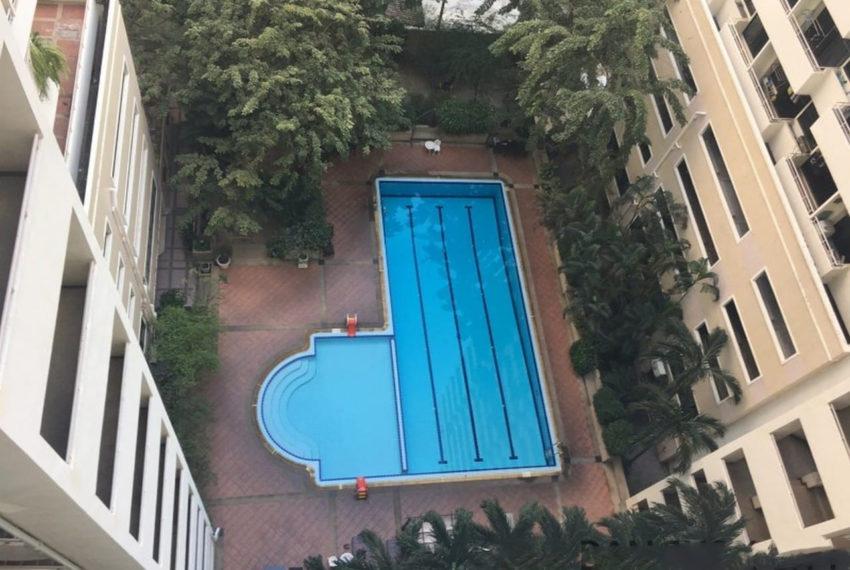 Saranjai Mansion Condominium near Nana BTS - pool area