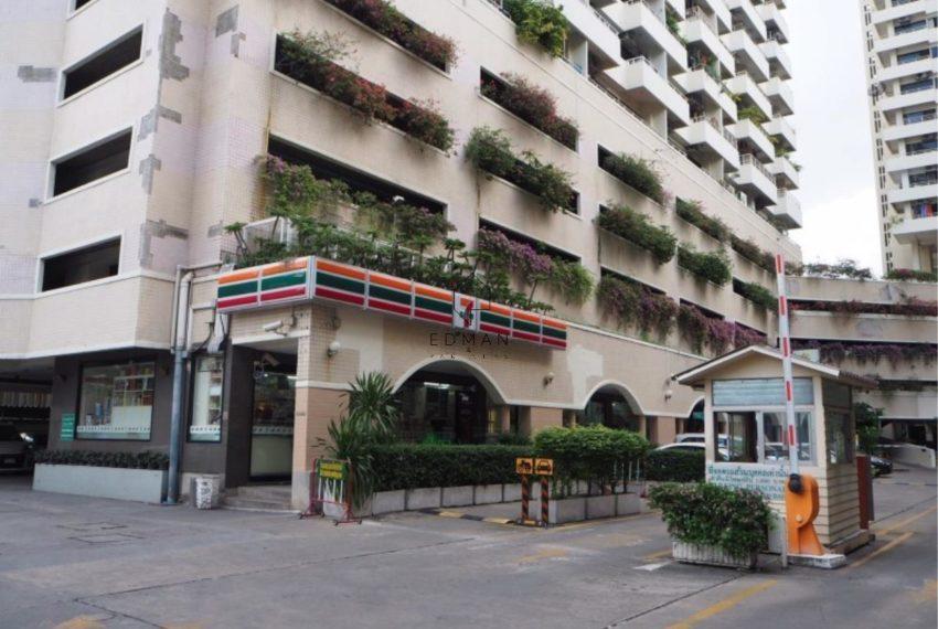 Saranjai Mansion Condominium near Nana BTS - soi 6