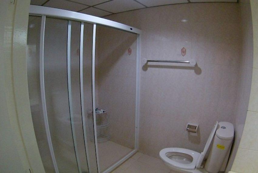SaranjaiMansion_Bathroom_Rent.jpeg