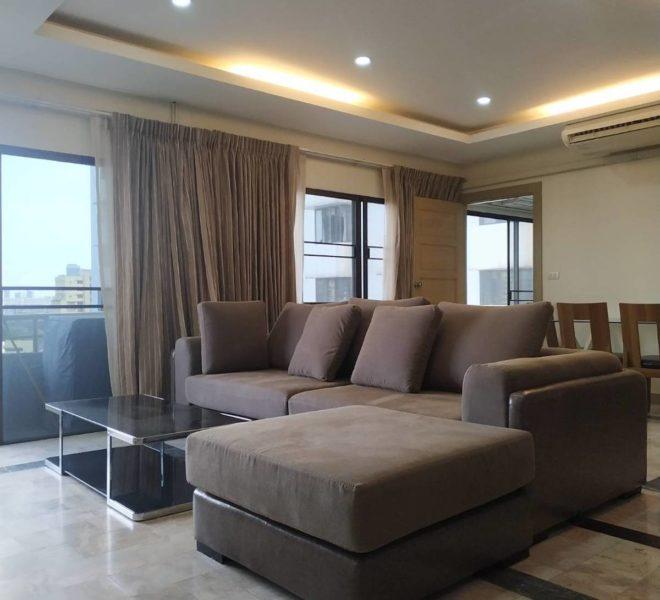 Large apartment near BTS Nana for sale - 2-bedroom - renovated - mid-floor - Saranjai Mansion Condominium
