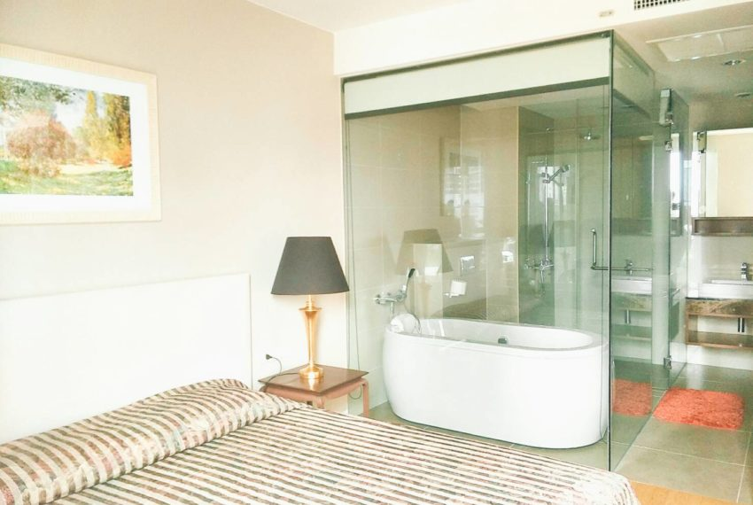 Siamese Gioia Sukhumvit 31-2-bedrooms-sale-bathtub