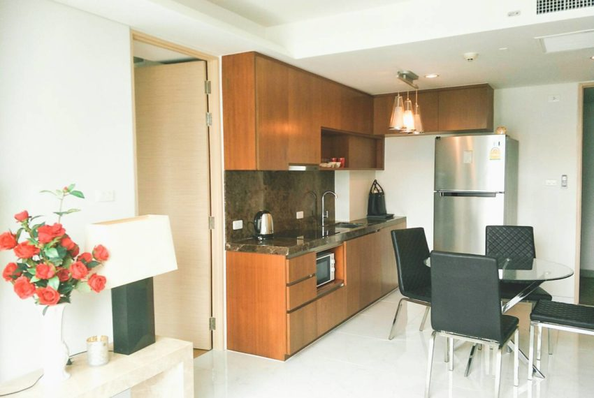 Siamese Gioia Sukhumvit 31-2-bedrooms-sale-kitchen