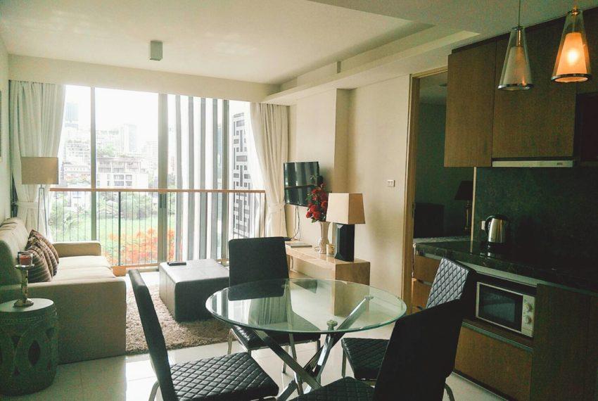 Siamese Gioia Sukhumvit 31-2-bedrooms-sale-living