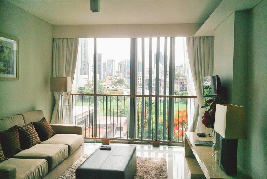 Siamese Gioia Sukhumvit 31-2-bedrooms-sale-living-room