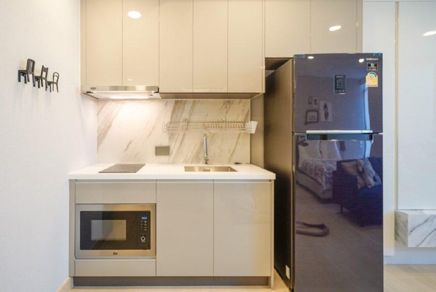 Siamese Queens-kitchen-rent
