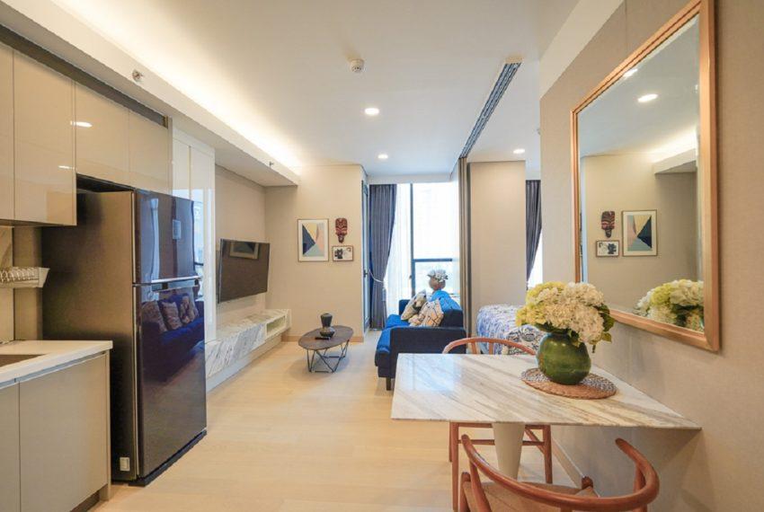 Siamese Queens-livingroom-rent3