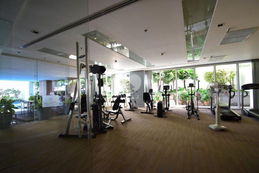 Siri Residence condominium near BTS Phrom Phong - fitness