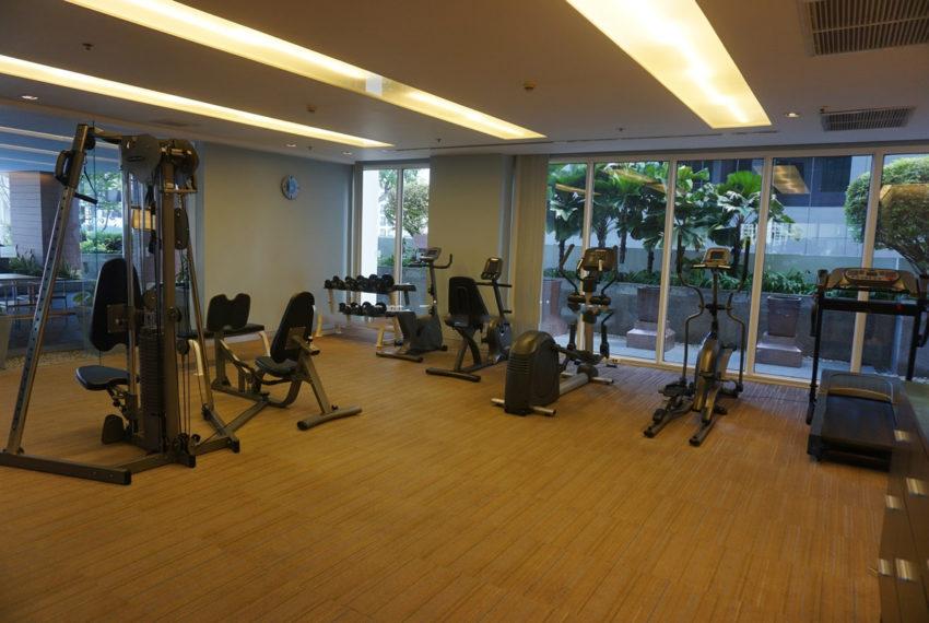 Siri Residence condominium near BTS Phrom Phong - gym