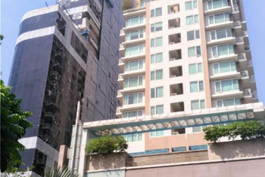 Siri Residence condominium near BTS Phrom Phong - tower