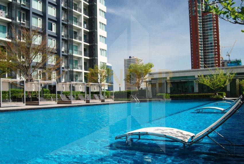 Siri-at-Sukhumvit-Condo-swimming pool