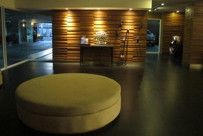 Siri on 8 condominium - entrance
