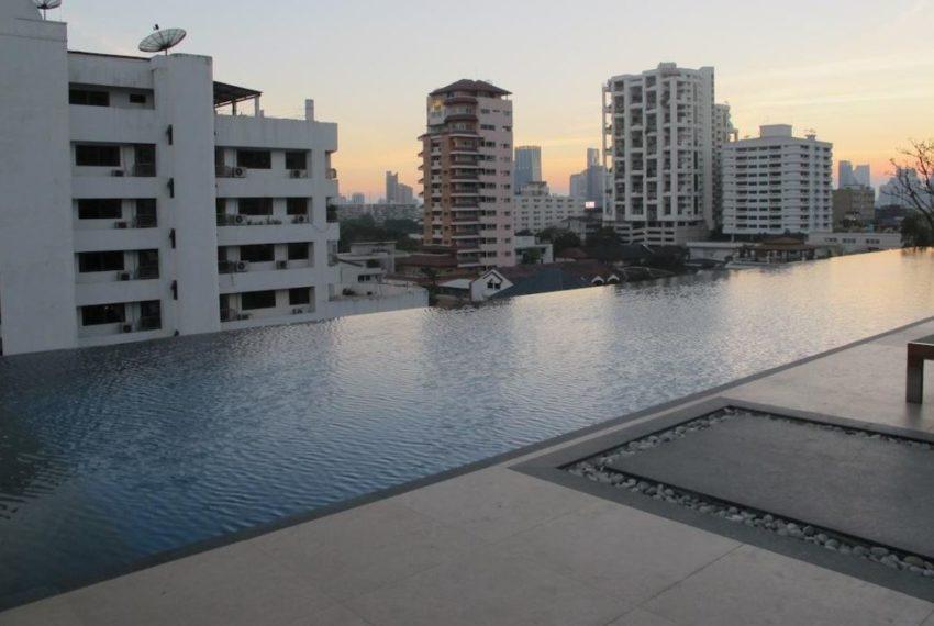 Siri on 8 condominium - pool