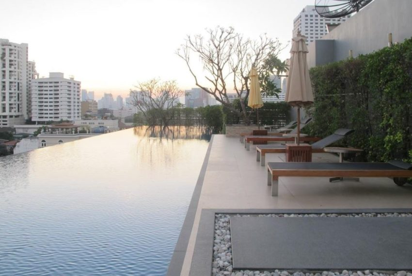 Siri on 8 condominium - swimming pool