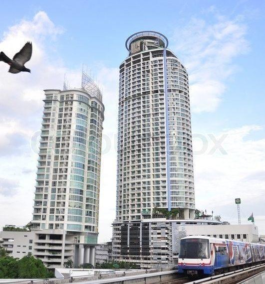 Sky Walk Condominium near Phra Khanong BTS - connected